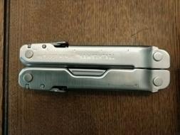Leatherman Super Tool 300 19-Tool Multi Tool w/Sheath 831103
